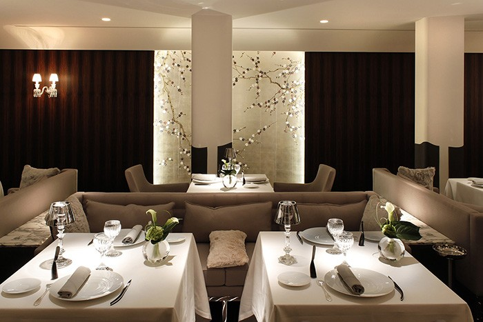 Colori chiari e grande comfort a tavola