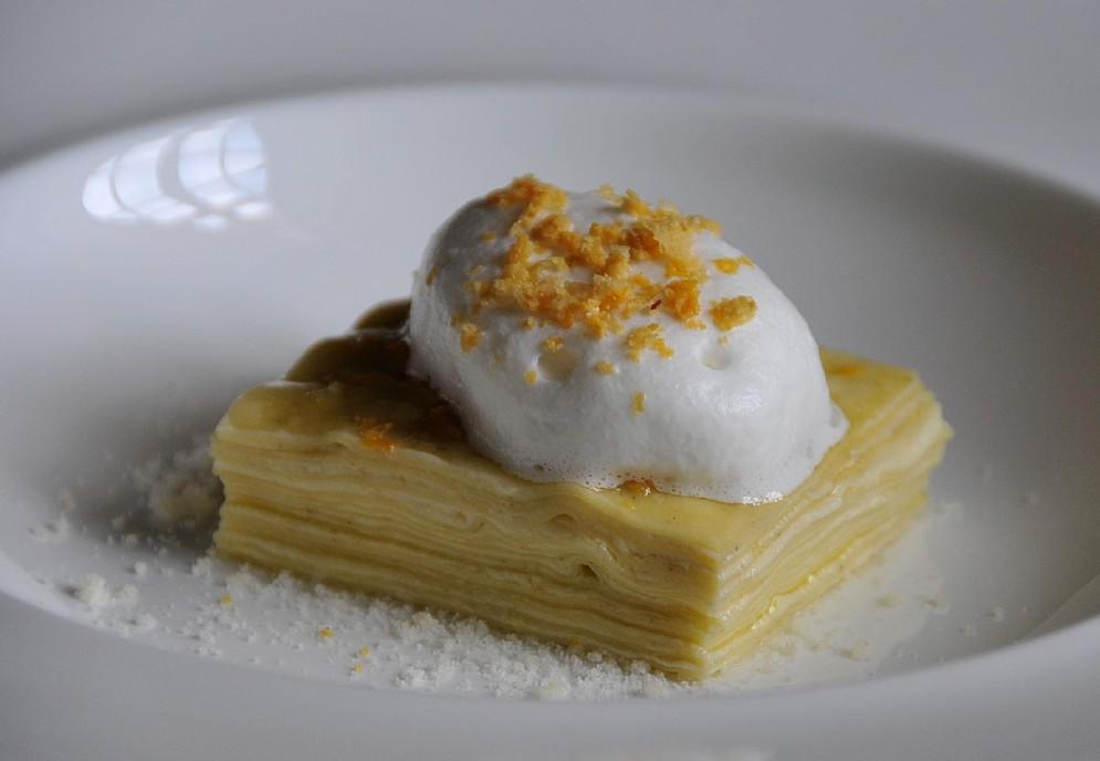 La pasta in bianco all'olio e parmigiano