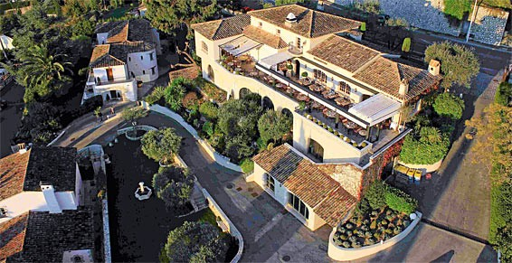 Vista d'insieme dell'Hotel e del Ristorante