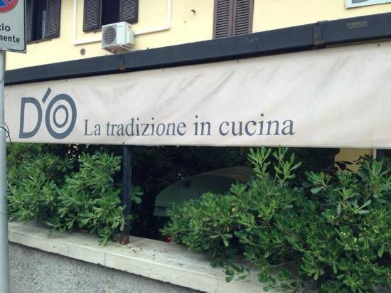 L'esterno del ristorante