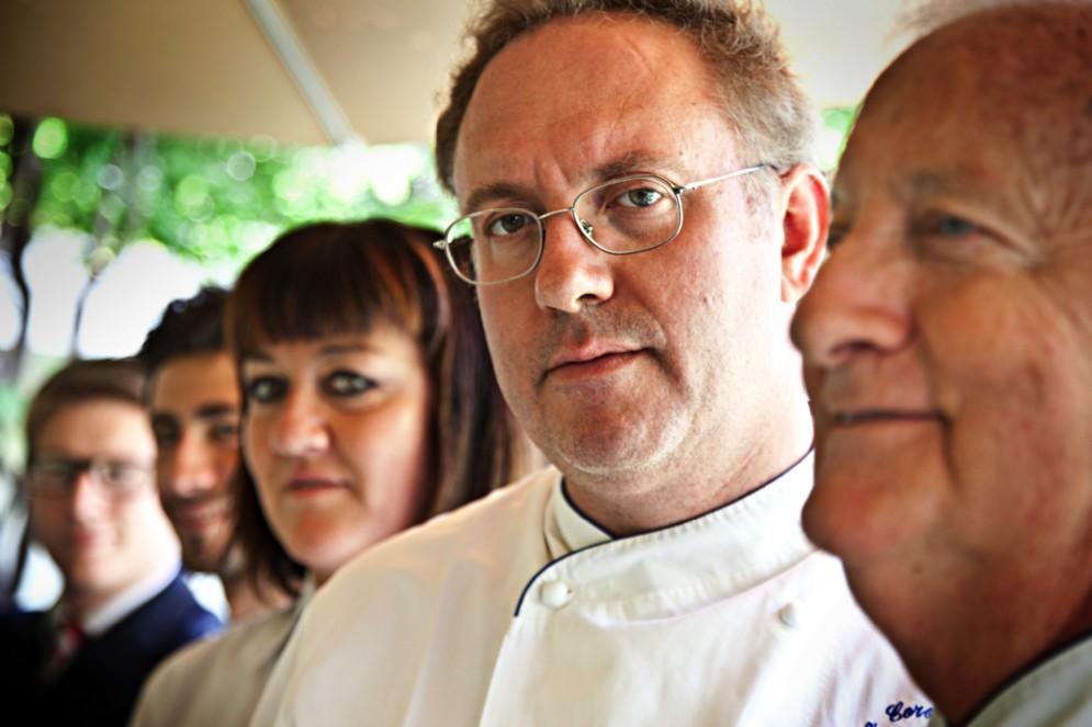 Giampiero Vivalda, papà Renzo e l'equipe del ristorante