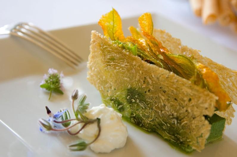 Talento, mano fine ed eleganti presentazioni dei piatti ...