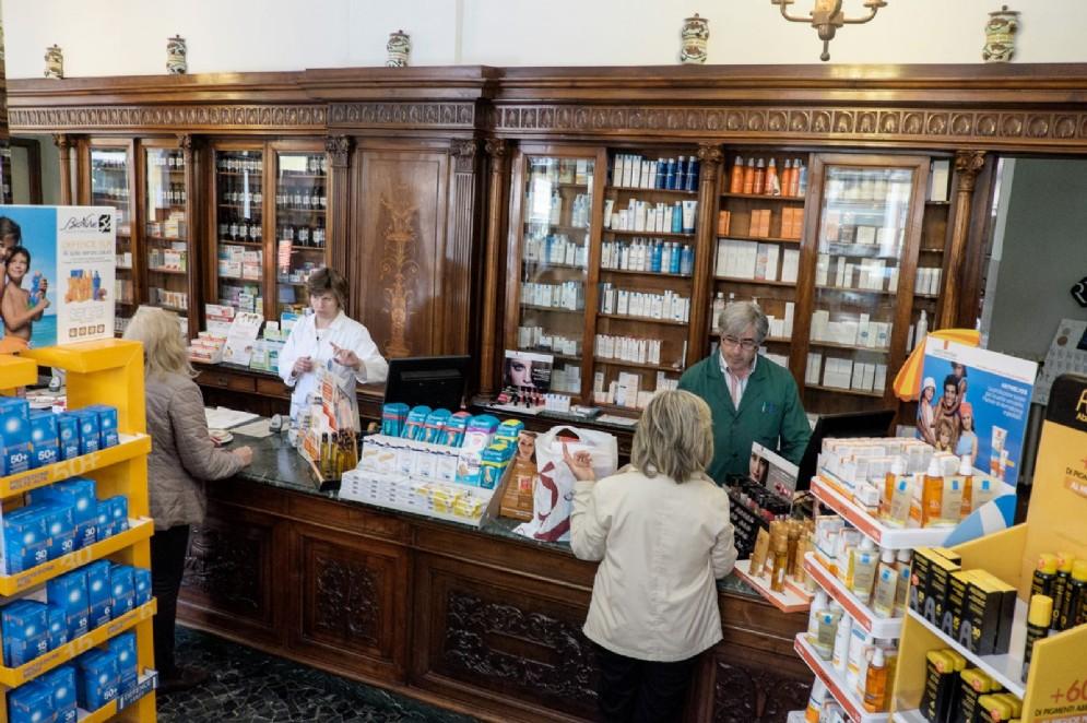 L'interno della farmacia