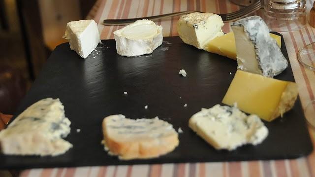Un assaggio di formaggi d'autore