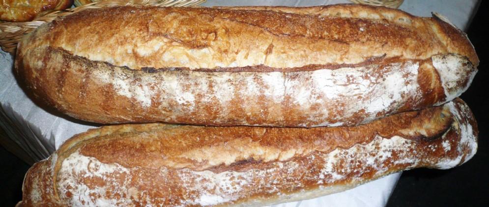 Il formato incide sul tempo di cottura, e un forno umidificato favorirà la formazione di una bella crosta croccante