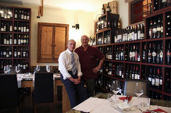 Davide e Cristiano Gramegna nella loro enoteca ristorante di Castelletto Ticino