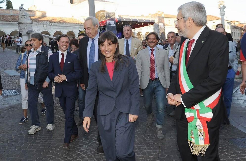 Anche Serracchiani presente all'apertura di Friuli Doc