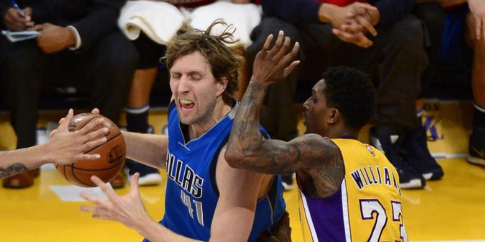 Nowitzki guida i Mavs al successo sui Lakers