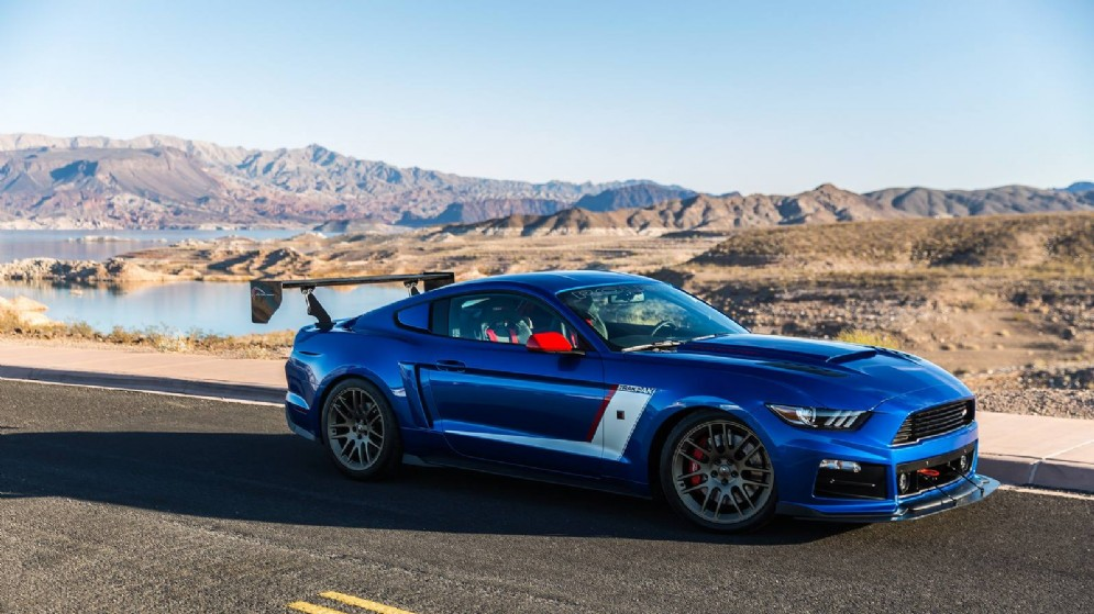 Ford Mustang GT by Roush