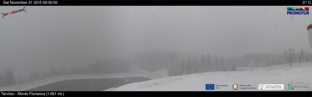 Scende la prima neve sul Tarvisiano