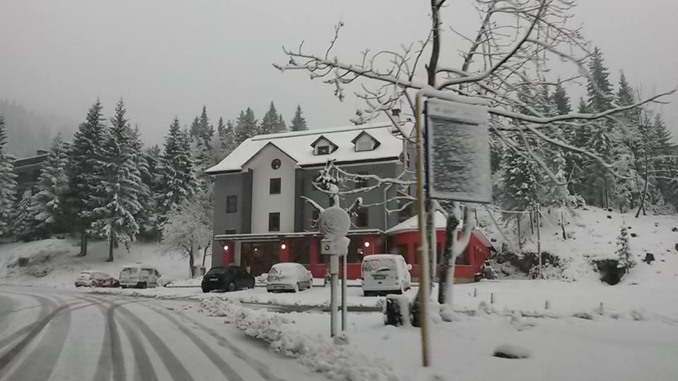 Il centro di Sella Nevea innevato (foto Rizzi)