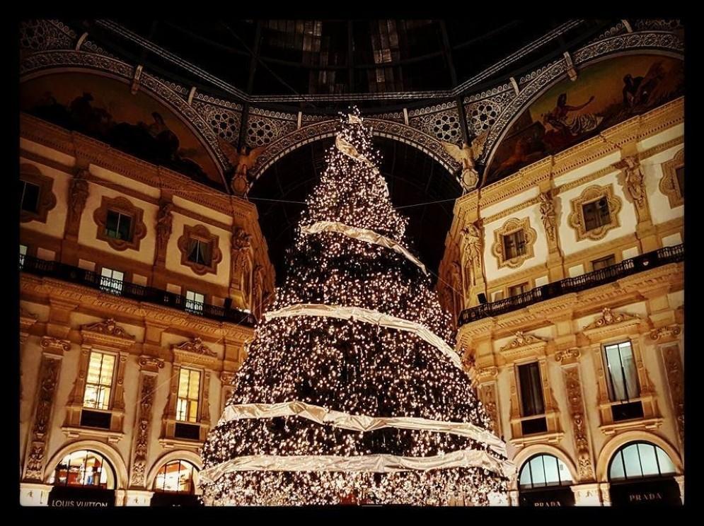 L'albero di Natale in Galleria Vittorio Veneto