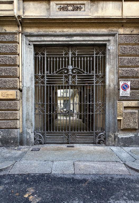 Portone del ghetto, in via Bogino 17