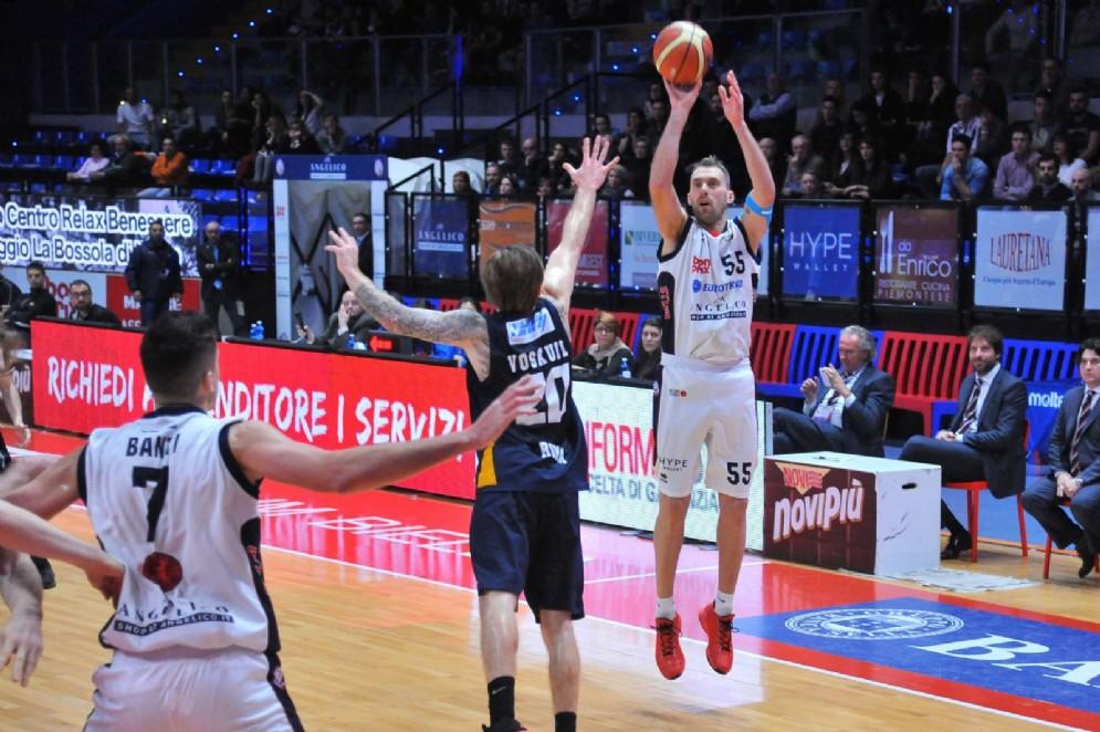Pierich al tiro per l'Angelico (foto Ceretti)