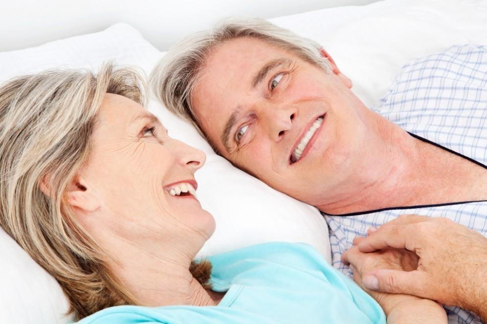 Sesso dopo i 50 anni: un toccasana per il cervello