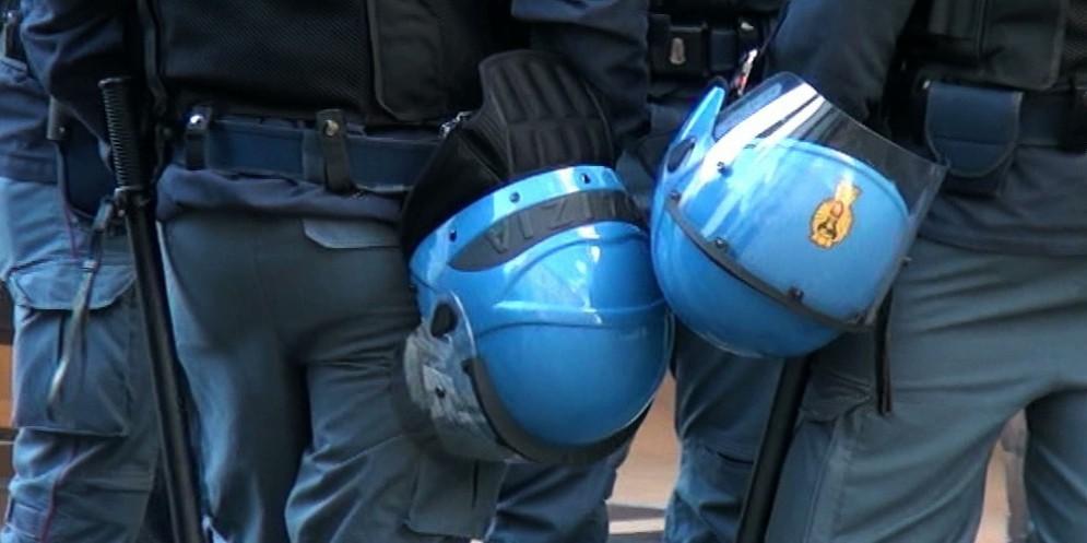 Dotazioni inadeguate per Polizia e Vigili del Fuoco