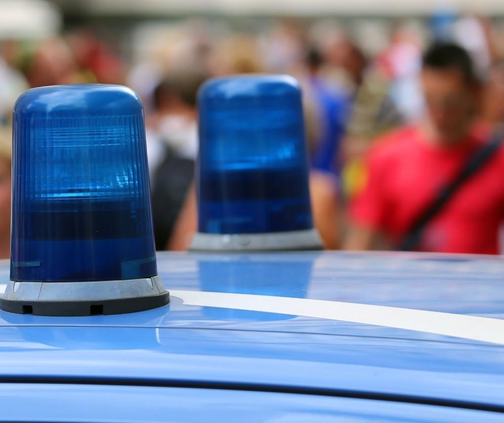 Banda rapina abitazione e ferisce un 66enne