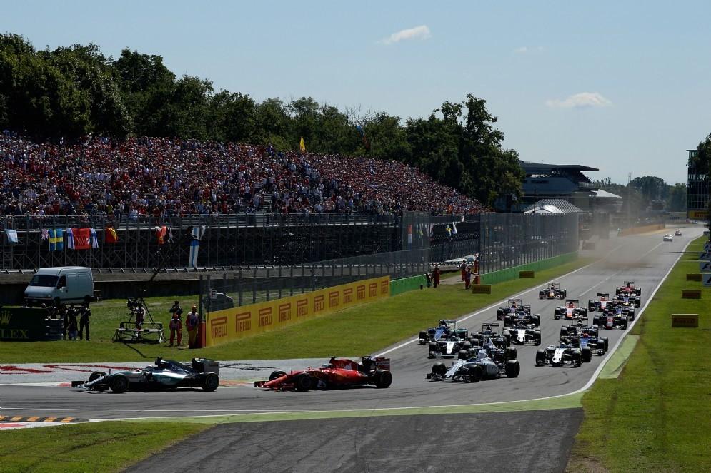 La partenza del Gran Premio di Monza 2015