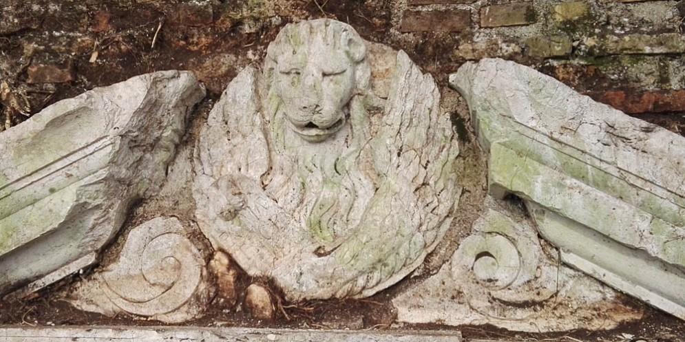 Il leone veneziano scoperto a Palmanova
