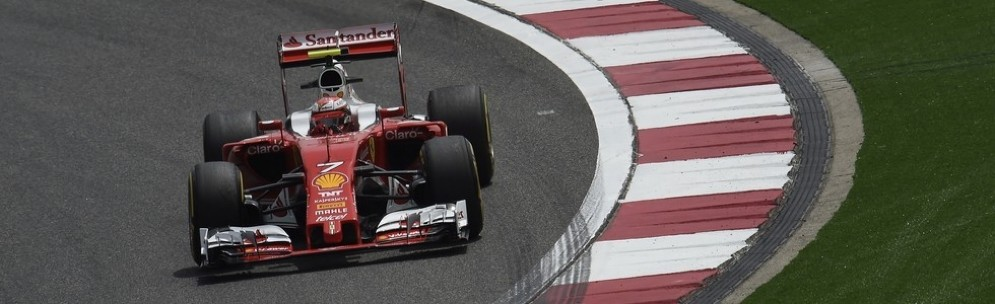 Kimi Raikkonen in pista durante le libere in Cina