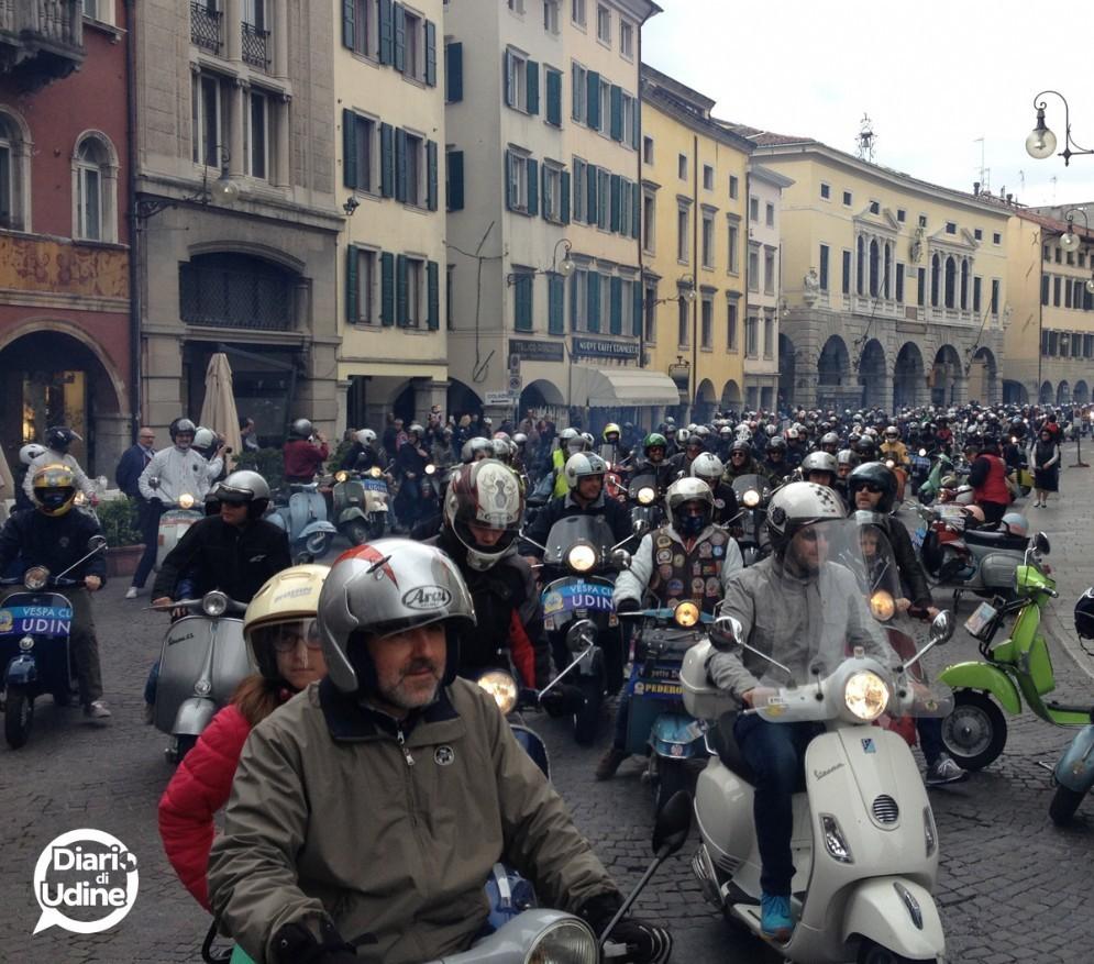 La partenza da via Mercatovecchio (© Diario di Udine)
