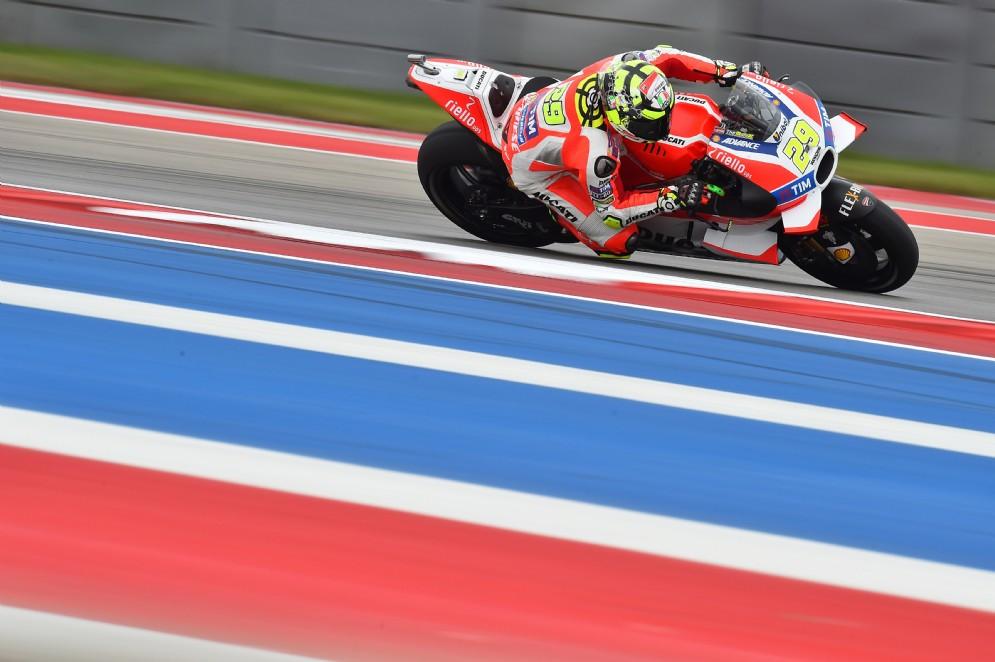Andrea Iannone in azione sulla Ducati