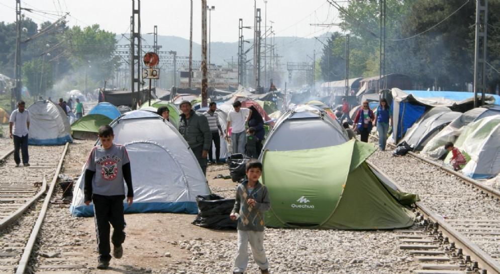 Il campo profughi nato nella stazione ferroviaria di Idomeni, Grecia (© Caritas Biella)