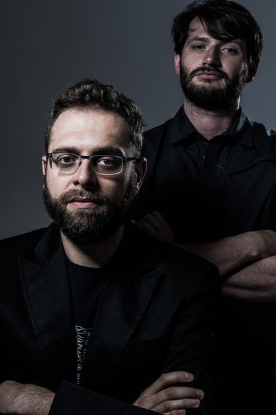 I due registi del documentario «Rifiutati dalla sorte e dagli uomini» Vieri Brini (davanti) e Emanuele Policante