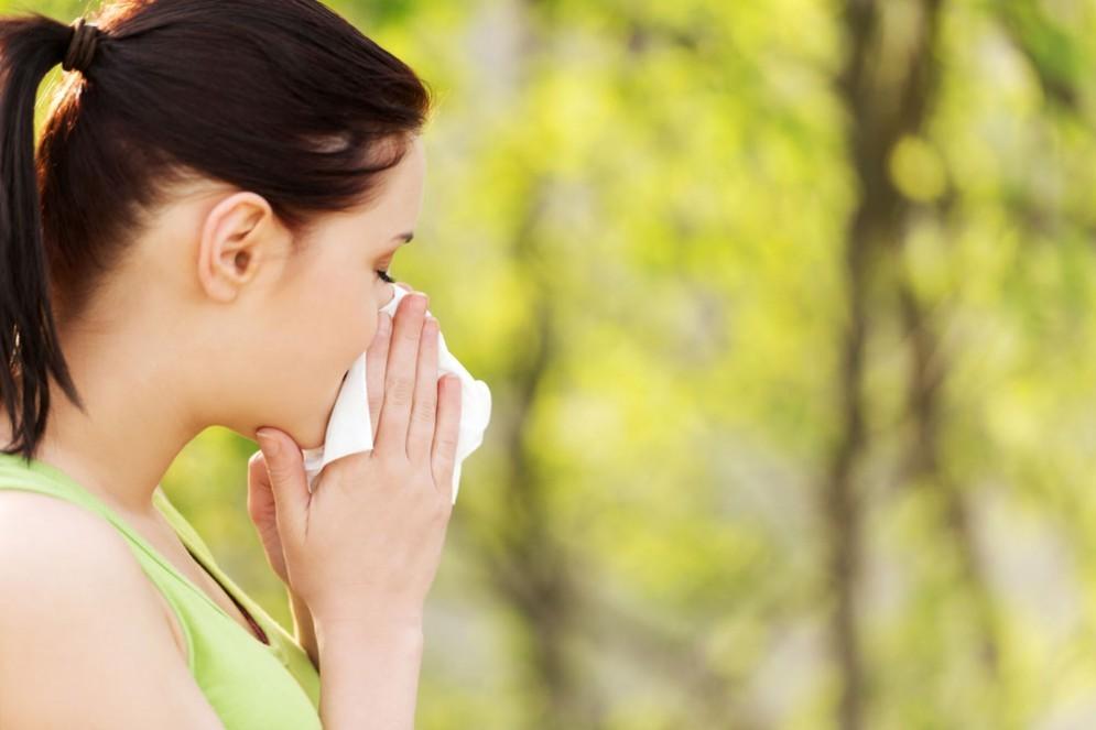 Rinite allergica, molti ne soffrono ma pochi si curano