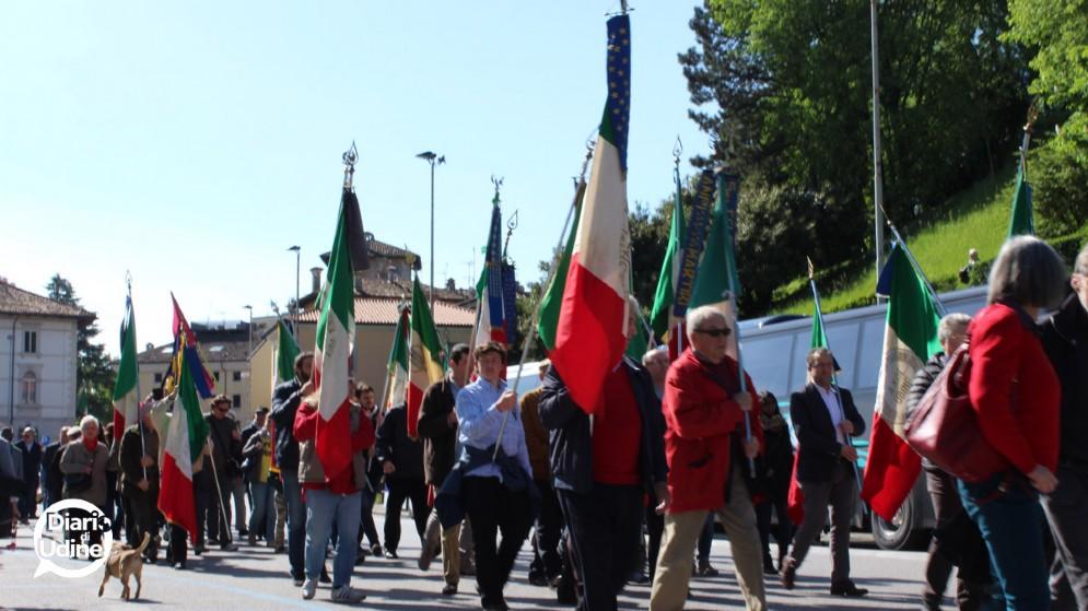 Tanta gente in piazza per il 25 aprile di Udine