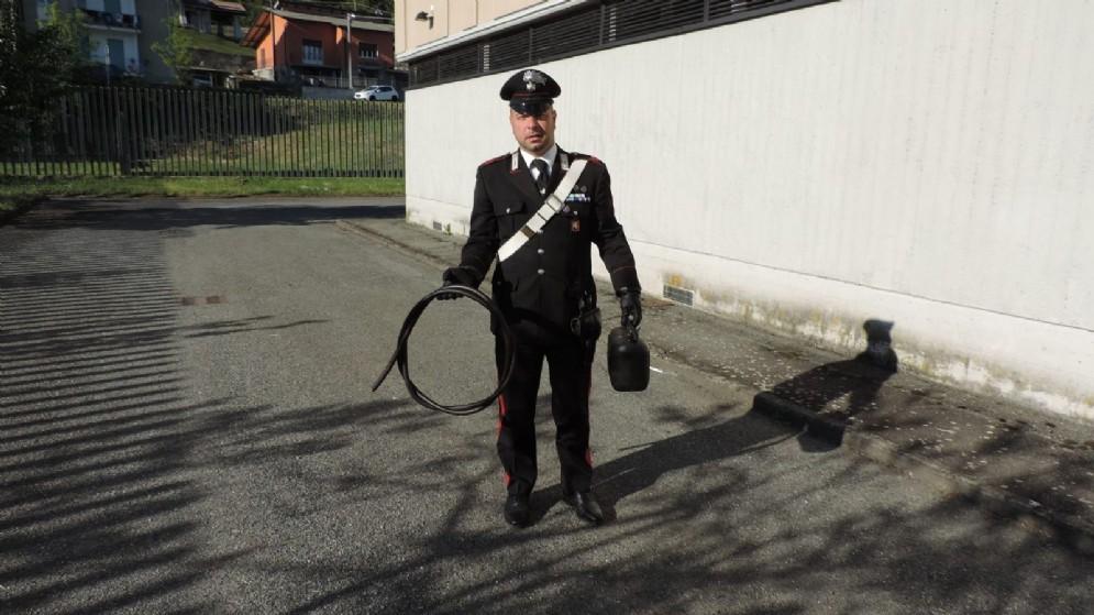Parte del materiale recuperato dai carabinieri