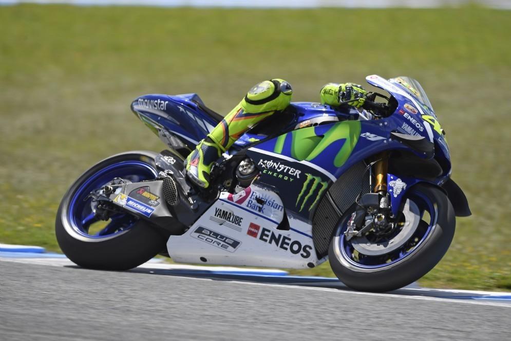 Valentino Rossi in azione nei test di Jerez