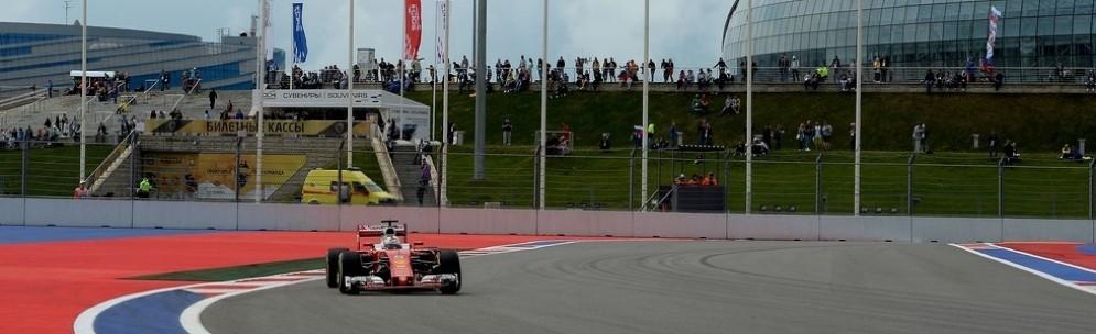 Sebastian Vettel in pista a Sochi