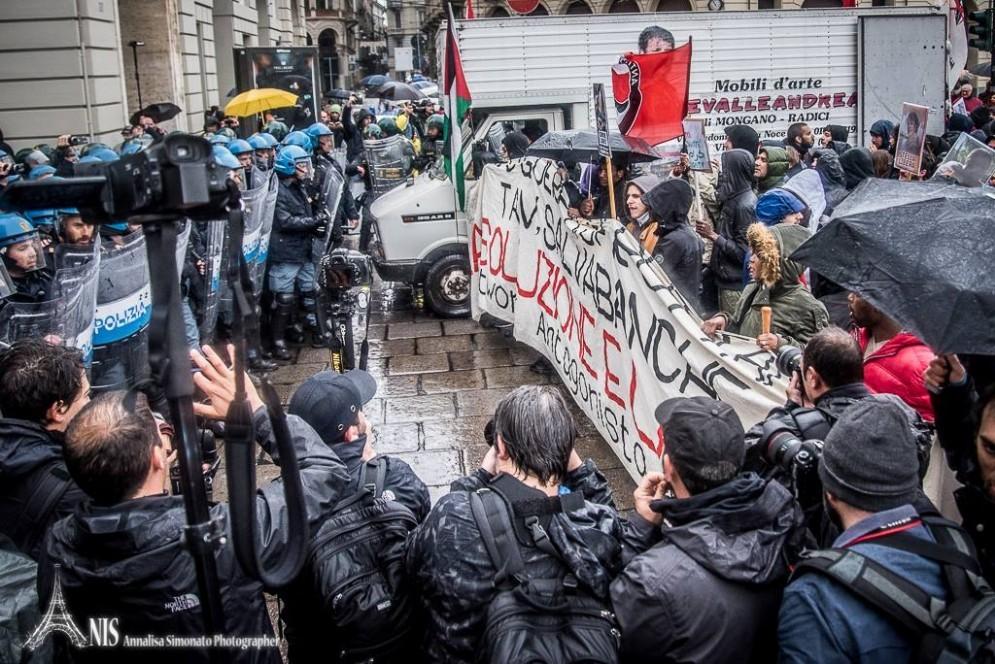 Tensioni durante il corteo del Primo Maggio (© Annalisa Simonato)