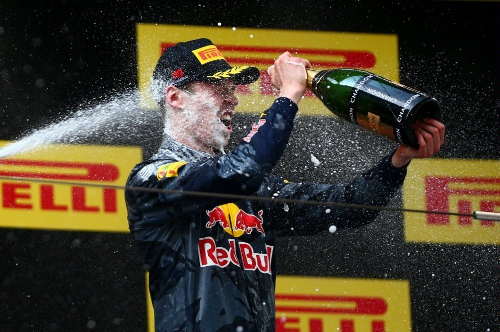 Daniil Kvyat sul podio del GP di Cina