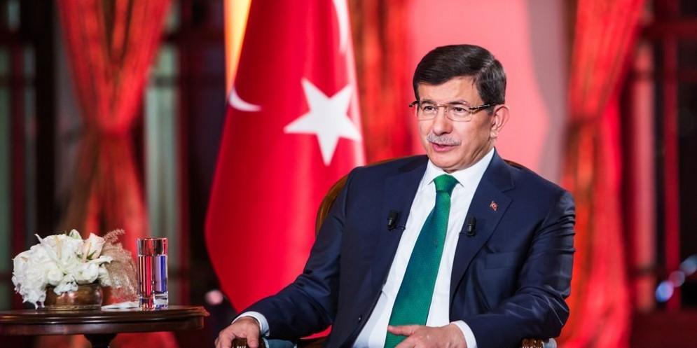 Il premier dimissionario Ahmet Davutoglu, in 20 mesi di mandato, ha litigato 20 volte con Erdogan.