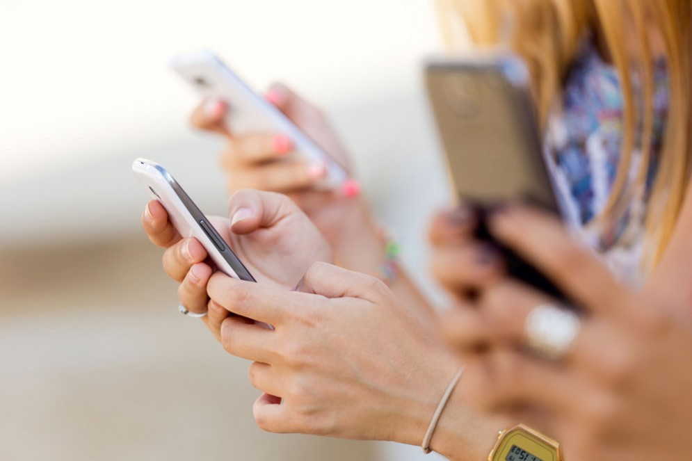 Smartphone, l'uso costante può causare problemi di iperattività e disattenzione