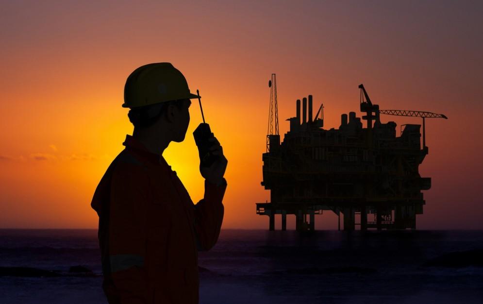 Il petrolio vola verso quota 50 dollari, ma cosa succede in Basilicata?