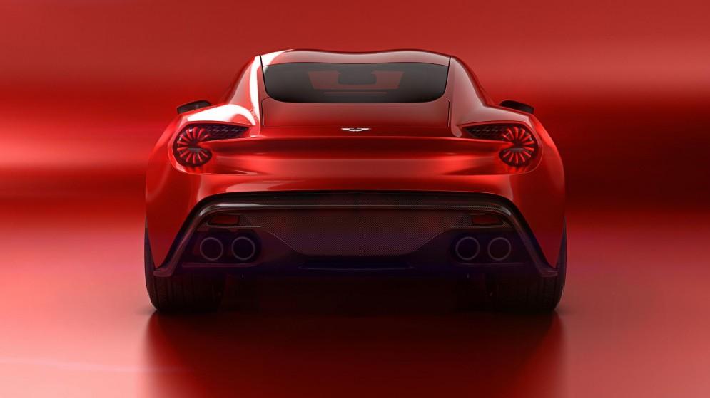 I gruppi ottici posteriori a Led richiamano sia stilemi classici della Zagato sia la supercar da pista Vulcan