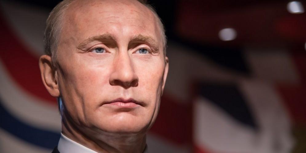 Il presidente russo Vladimir Putin ha lanciato un ultimatum all'Europa.