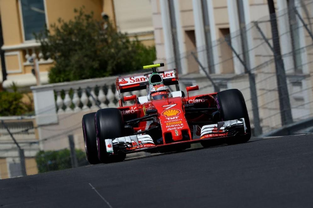 Kimi Raikkonen in pista a Montecarlo
