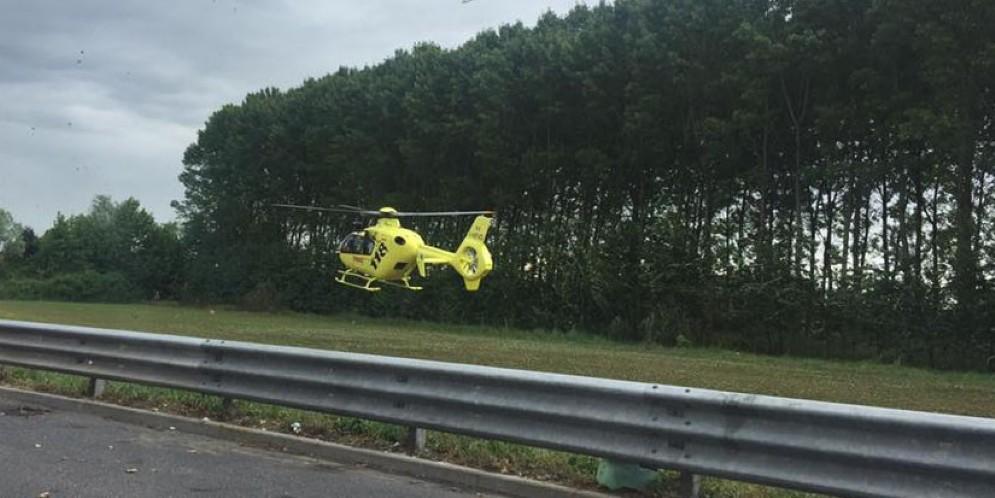 L'elicottero nei pressi dell'incidente
