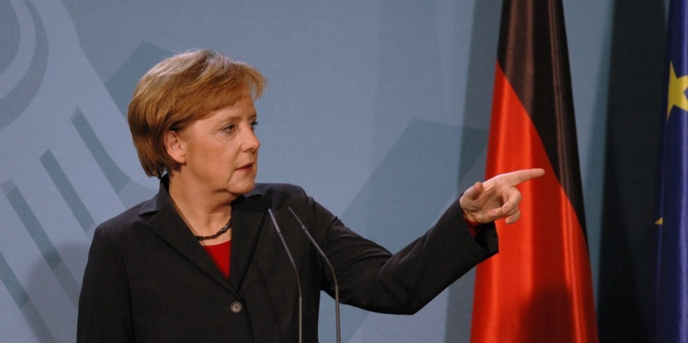 La locomotiva tedesca rallenta: la Bundesbank taglia le stime della crescita.