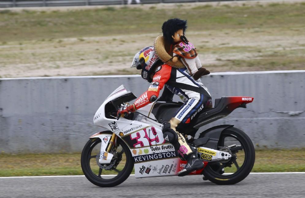 Nel 2012 è in Moto3, con la Kalex Ktm