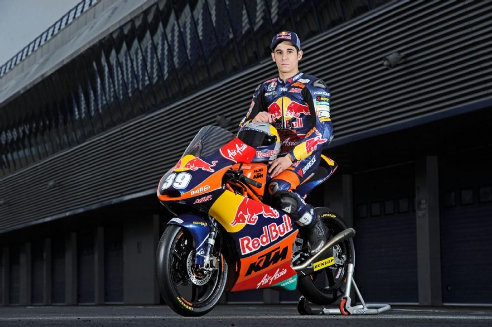 Un'immagine sorridente sulla moto