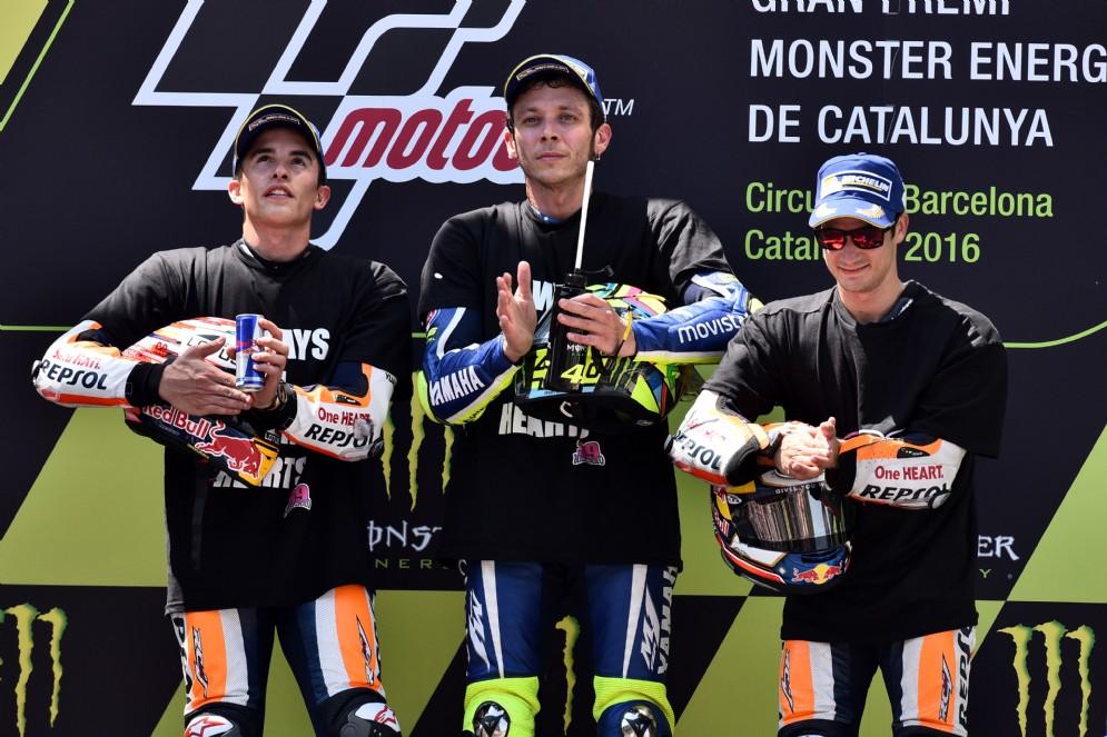 Il podio del GP di Catalogna: Rossi, Marquez e Pedrosa