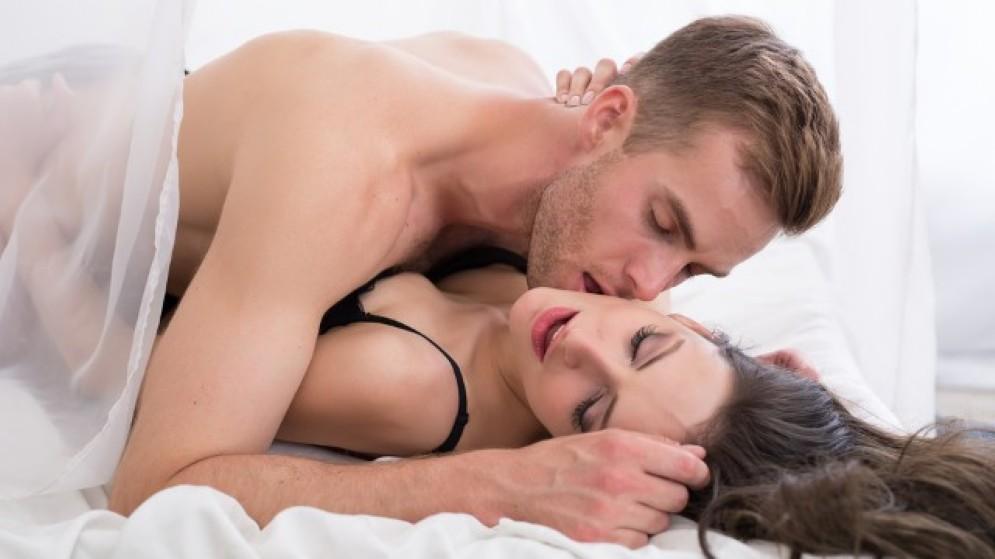 sesso sfrenato a letto parship