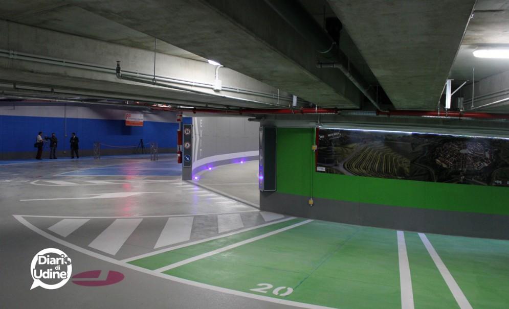 L'interno del nuovo parcheggio