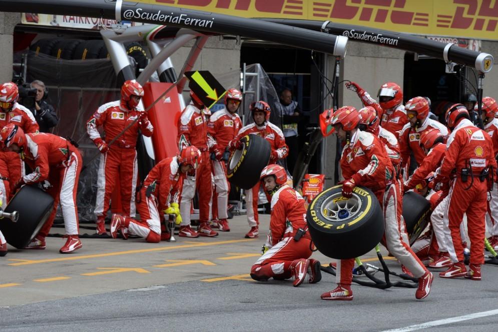 Il momento del rientro ai box di Vettel a Montreal