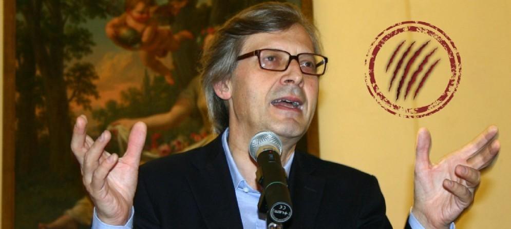 Vittorio Sgarbi, in una foto del 2007, durante la presentazione di una mostra dal titolo Arte ed Omosessualità